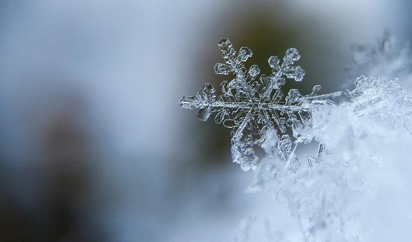 ¿Cómo se forman los copos de nieve?