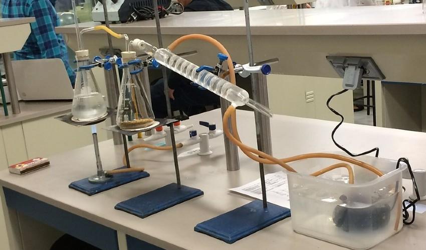¿Qué es destilación simple? Proceso y ejemplos